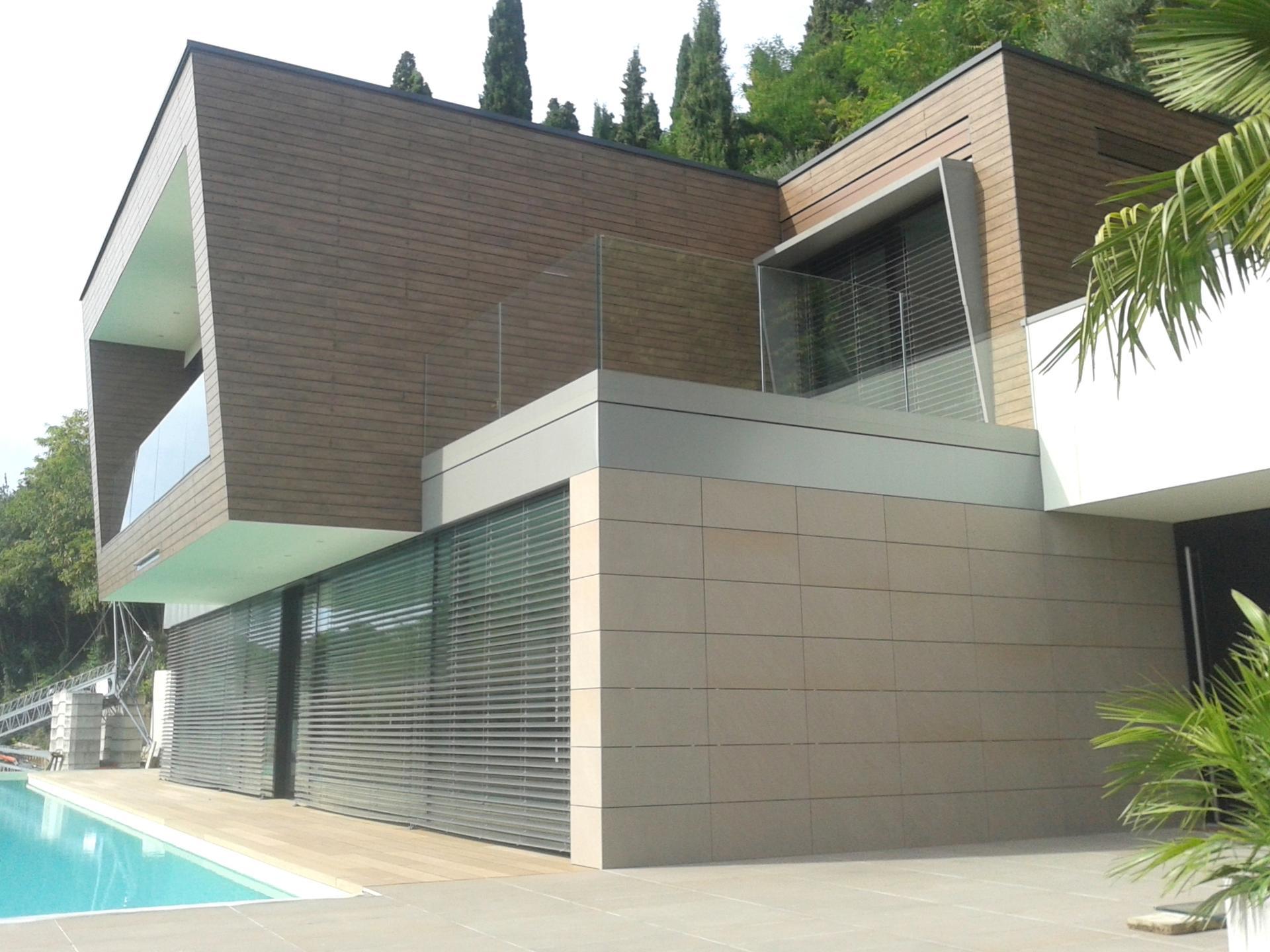 Case il legno trentino si occupa di case in legno con for Moderne case a telaio